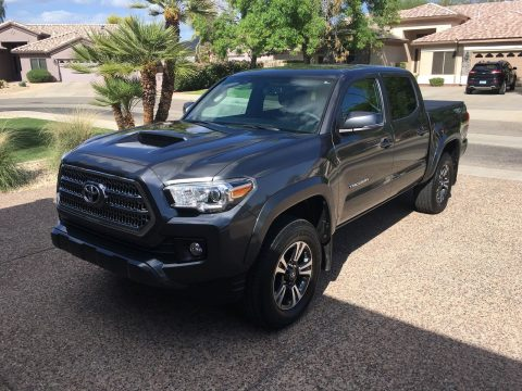 Like new 2016 Toyota Tacoma TRD Sport Crew Cab for sale