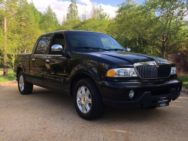 Luxury worker 2002 Lincoln Blackwood Base Crew Cab for sale