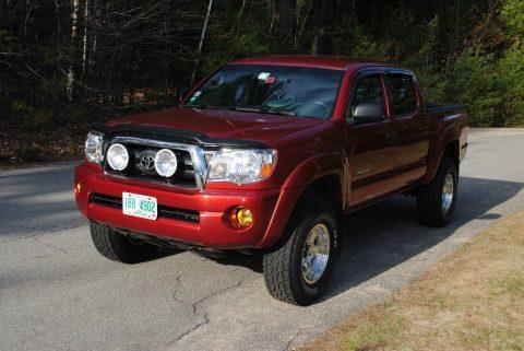 Customized 2005 Toyota Tacoma Base Crew Cab for sale