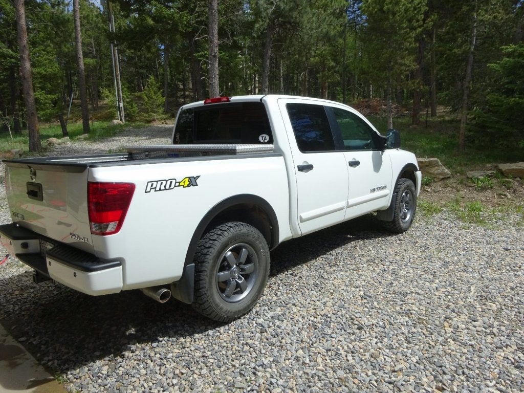 garage kept 2014 nissan titan pro 4x crew cab for sale. Black Bedroom Furniture Sets. Home Design Ideas