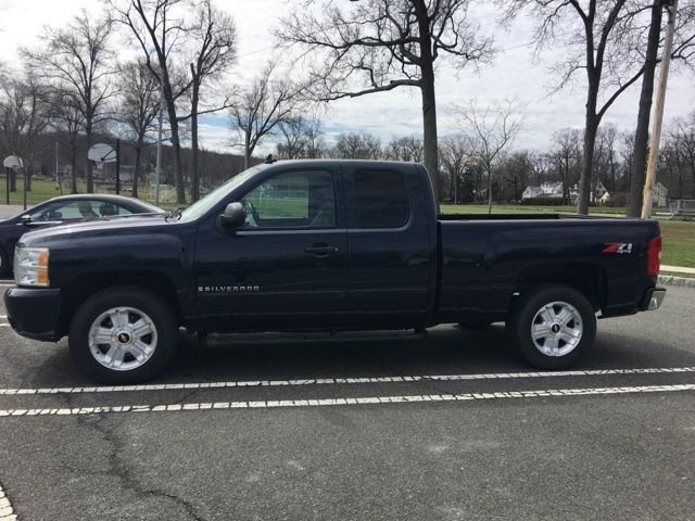 Great condition 2008 Chevrolet C/K Pickup 1500 LT crew cab