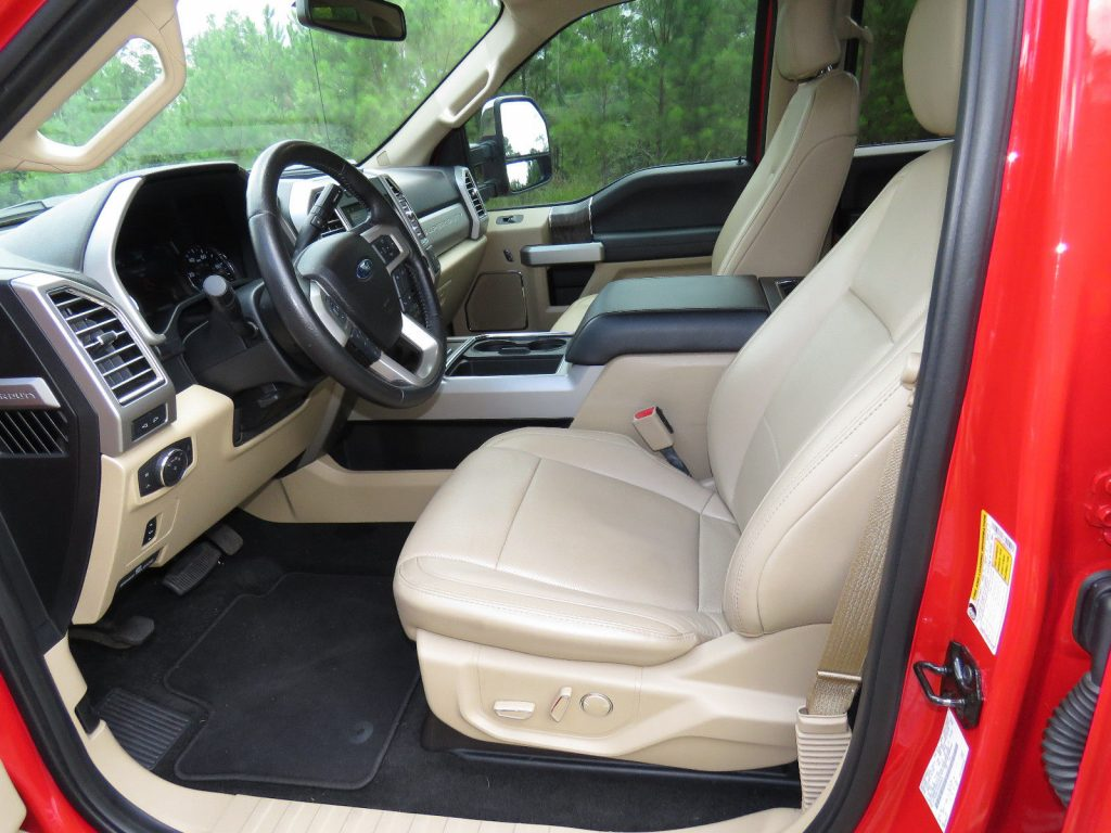 Perfect condition 2017 Ford F 250 Lariat 4×4 Crew Cab