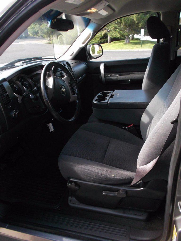 minor dings 2008 Chevrolet Silverado 1500 crew cab