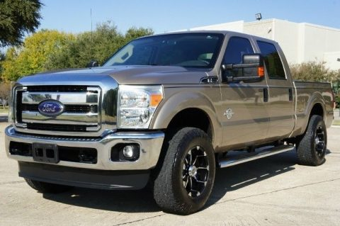 fully loaded 2012 Ford Pickups 4WD Crew Cab XLT for sale