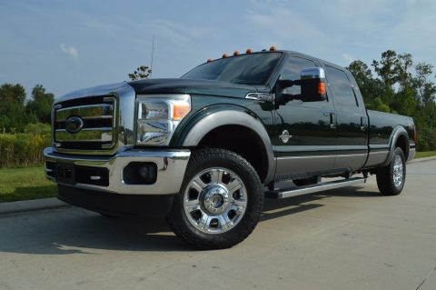 great condition 2012 Ford F 250 Lariat Crew Cab for sale