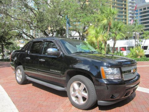 very clean 2013 Chevrolet Avalanche Black Diamond crew cab for sale