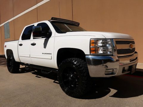 very clean 2013 Chevrolet Silverado 1500 LT Crew cab for sale