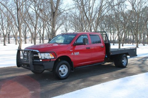 extra options 2014 Ram 3500 Crew Cab 4WD Flat Bed W/new Motor for sale