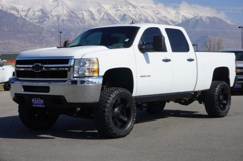 lifted 2014 Chevrolet Silverado 2500 LT crew cab for sale