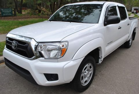 excellent condition 2015 Toyota Tacoma crew cab for sale