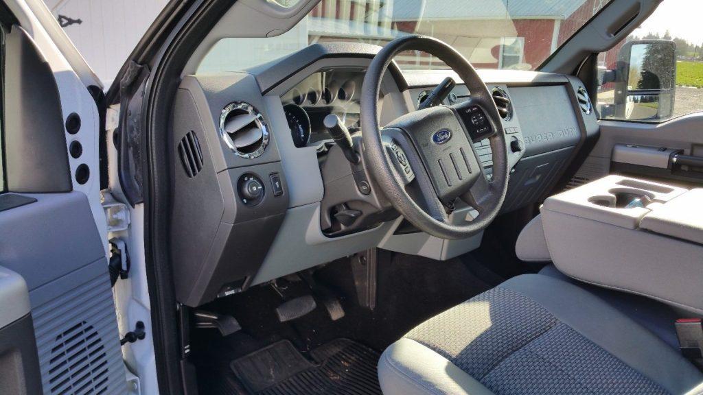 low mileage 2015 Ford F 350 xlt crew cab