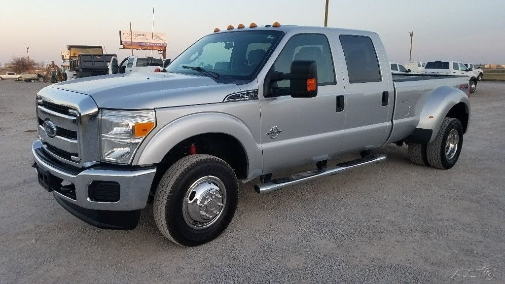 strong 2015 Ford F 350 XLT crew cab