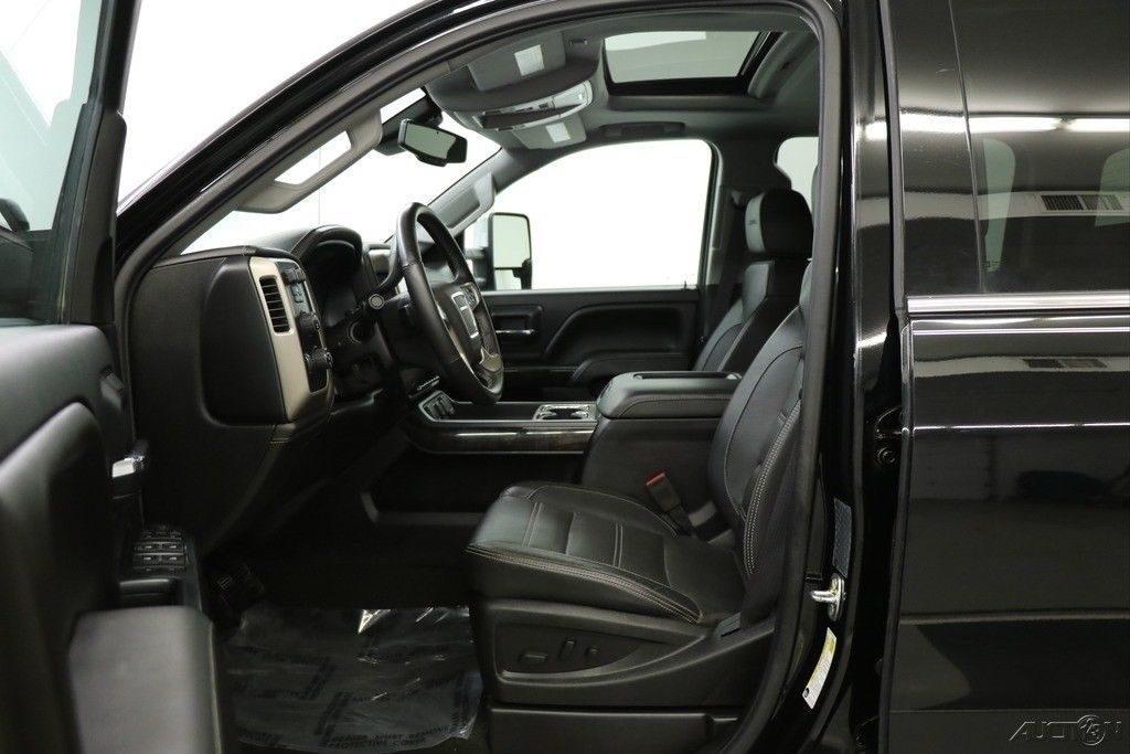 loaded 2016 GMC Sierra 3500 HD 4X4 Denali Crew Cab