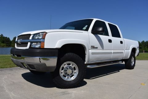 very clean 2004 Chevrolet Silverado 2500 crew cab for sale