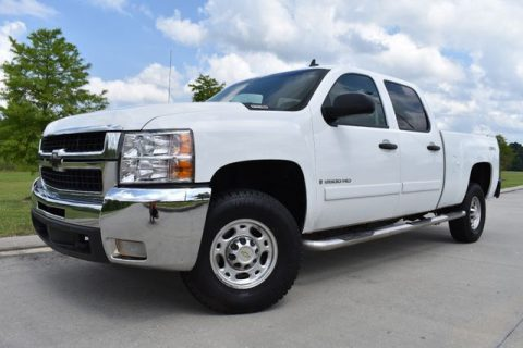 clean 2008 Chevrolet Silverado 2500 LT crew cab for sale