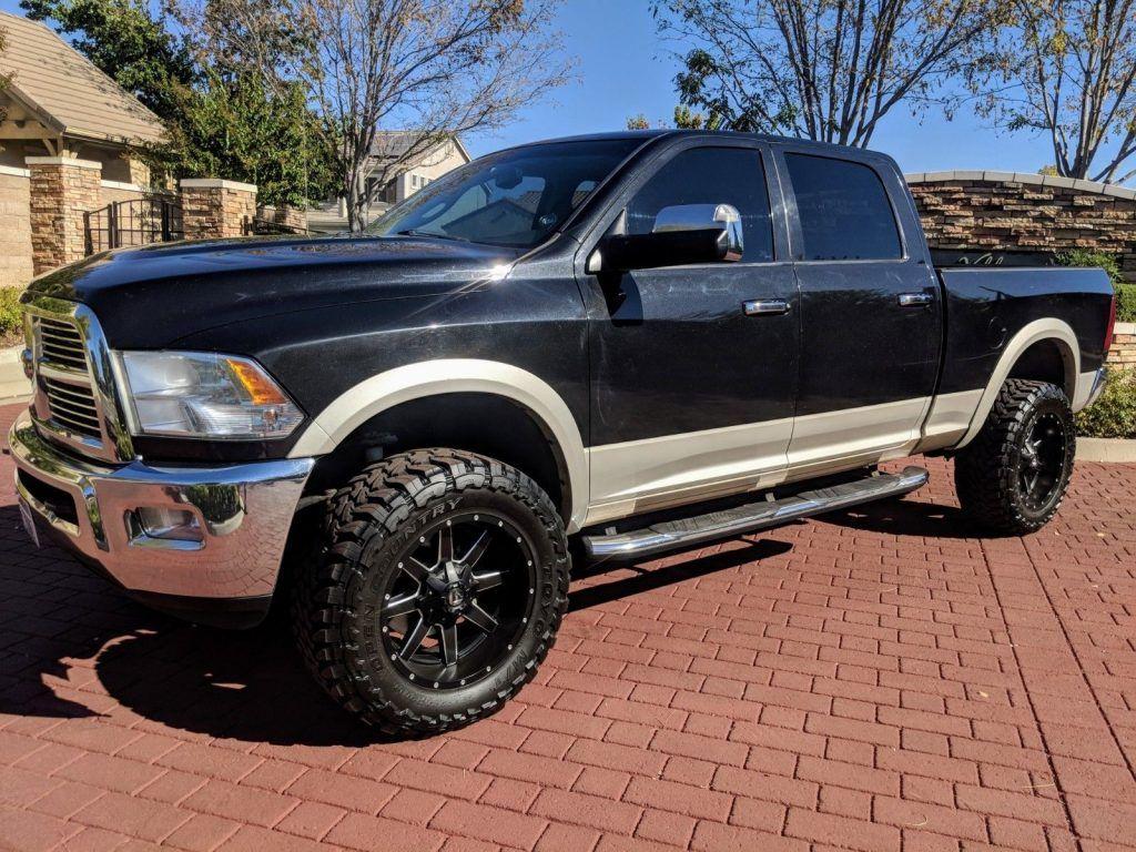 fully loaded 2010 Dodge Ram 3500 crew cab