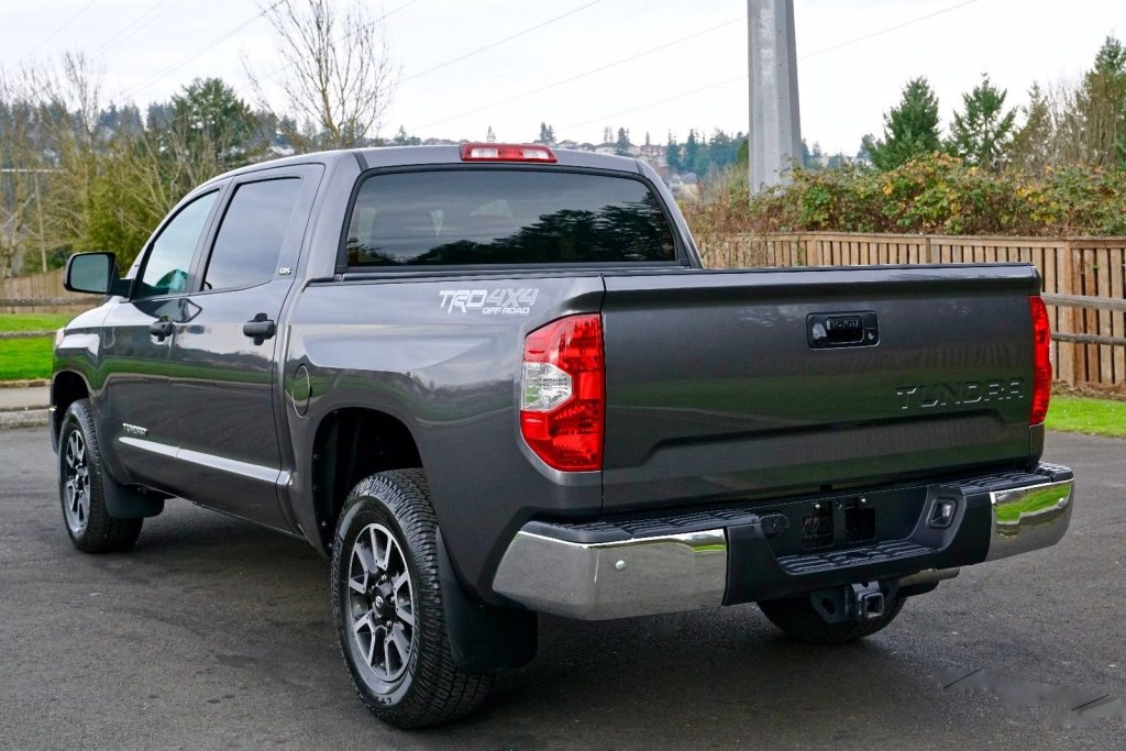 loaded with options 2014 Toyota Tundra SR5 crew cab