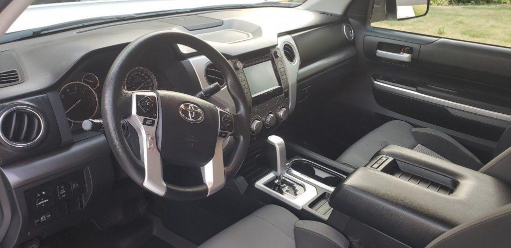 low mileage 2015 Toyota Tundra SR5 crew cab