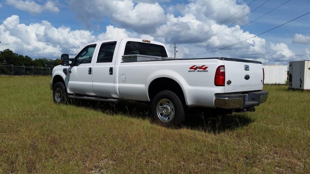 many extras 2009 Ford F 250 crew cab