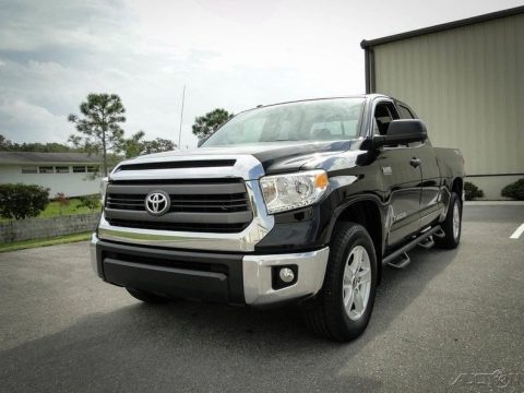 super clean 2015 Toyota Tundra crew cab for sale