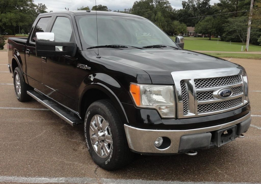 well optioned 2010 Ford F 150 Lariat 4×4 crew cab