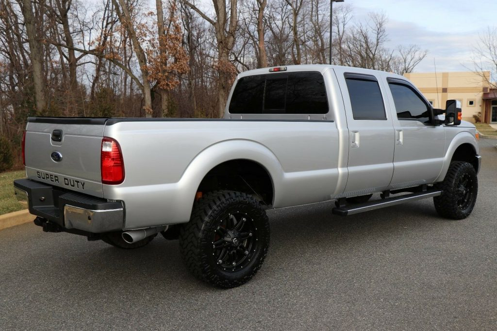 fully loaded 2012 Ford F 350 LARIAT crew cab