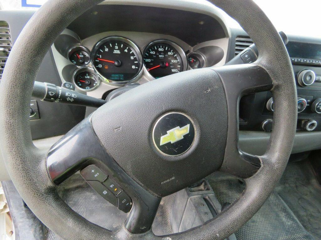 solid 2013 Chevrolet Silverado 2500 crew cab