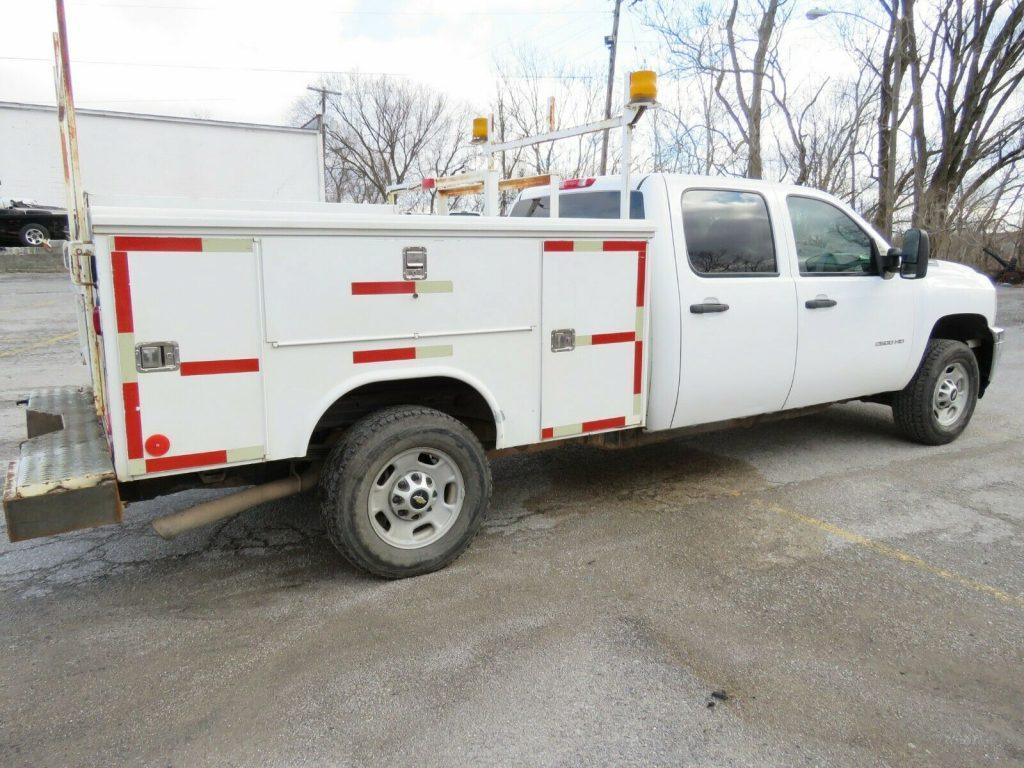 utility bed 2013 Chevrolet Silverado 2500 crew cab