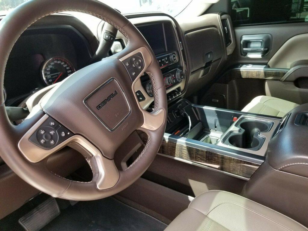 pristine 2015 GMC Sierra 2500 Denali Crew Cab