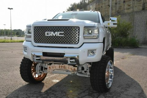 well customized 2015 GMC Sierra 2500 Denali crew cab for sale