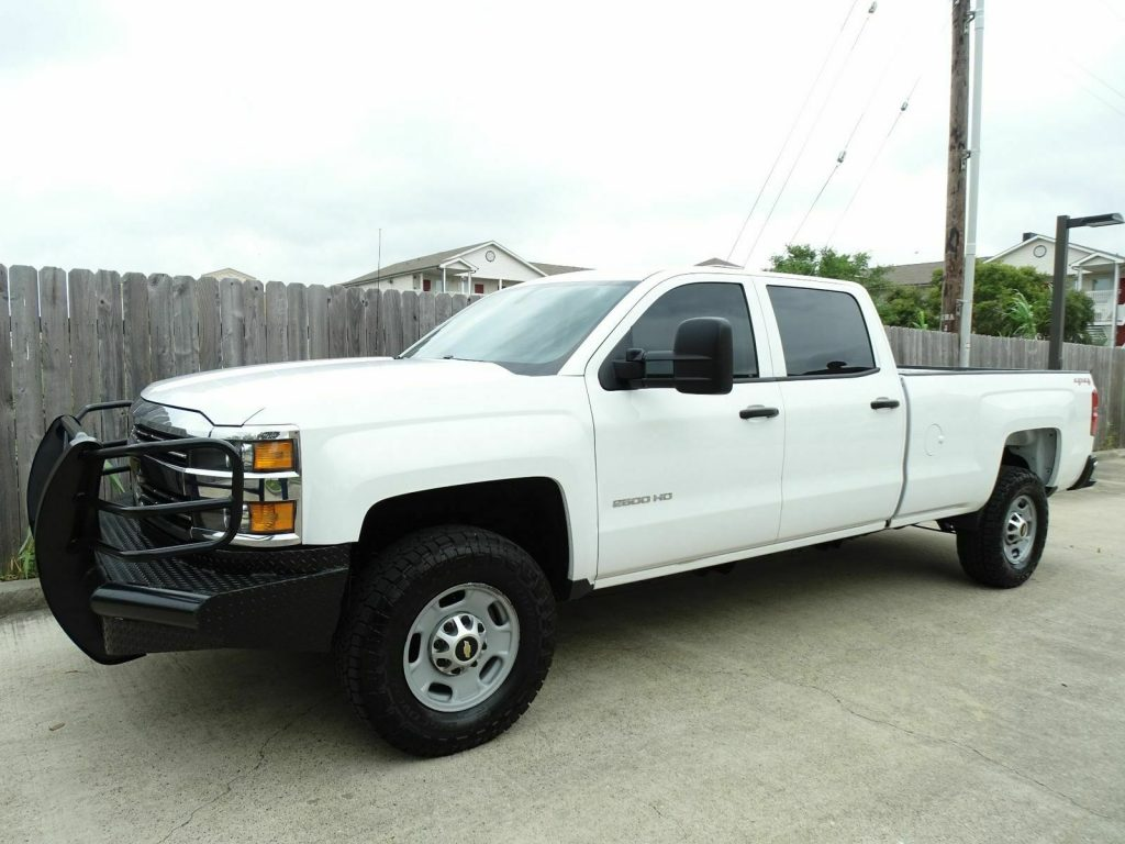 well equipped 2015 Chevrolet Silverado 2500 crew cab
