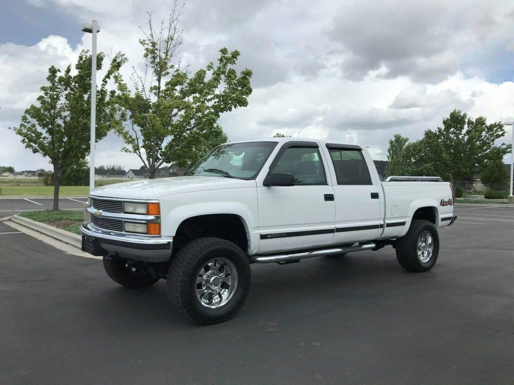loaded 2000 Chevrolet C/K 2500 Silverado crew cab