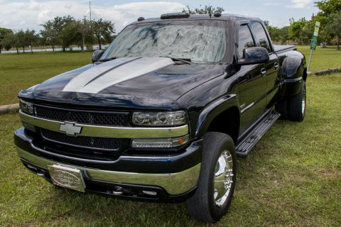 monster hauler 2001 Chevrolet Silverado 3500 HD Dually crew cab for sale