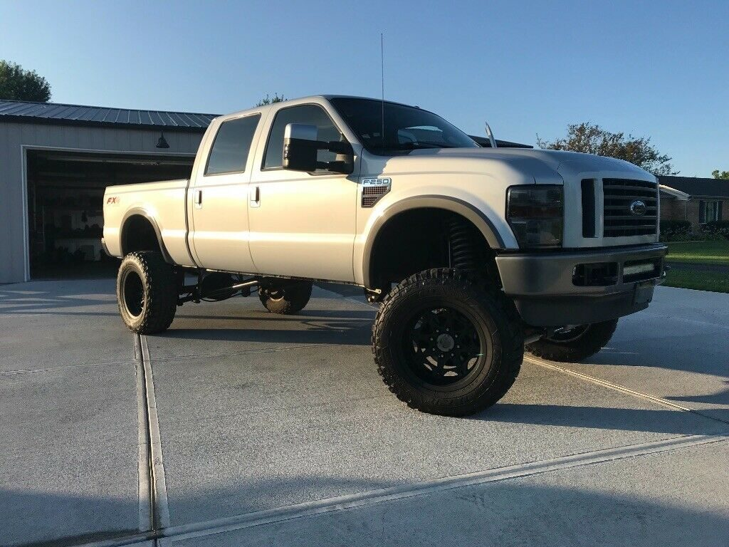 very nice 2008 Ford F 250 FX4 pickup crew cab