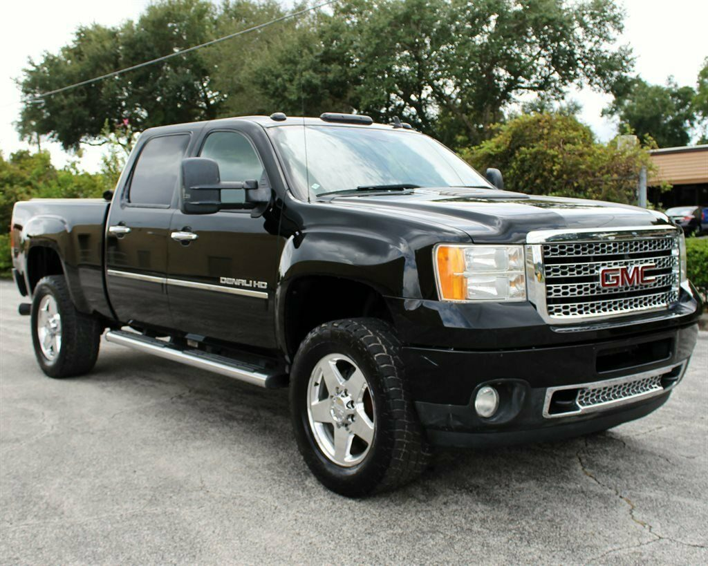 loaded 2011 GMC Sierra 2500 Denali crew cab
