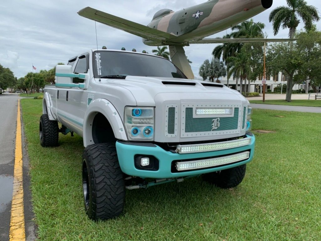 well modified 2008 Ford F 350 FX4 pickup crew cab