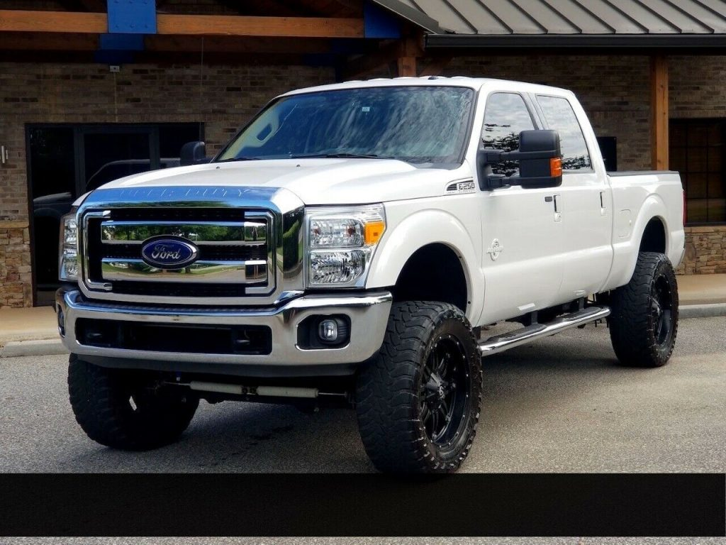 low miles 2015 Ford F 250 XLT crew cabs