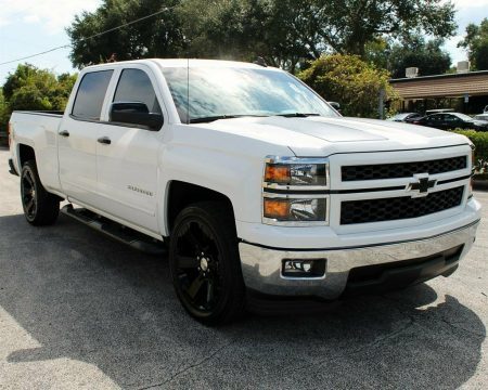 very nice 2015 Chevrolet Silverado 1500 LT crew cab for sale