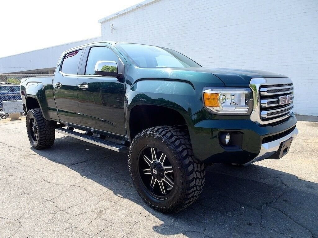 very nice 2015 GMC Canyon SLT crew cab