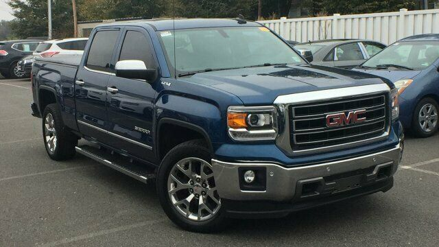 well equipped 2015 GMC Sierra 1500 SLT crew cab