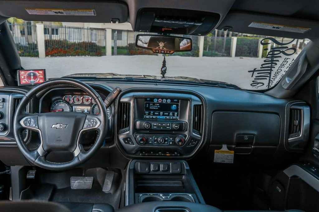 fully loaded 2017 Chevrolet Silverado 1500 LTZ Z71 Midnight Edition 6.2L crew cab