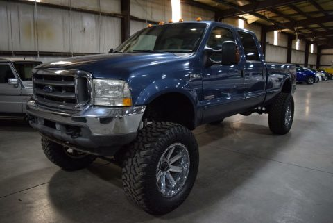 very nice 2004 Ford F 250 Lariat crew cab for sale