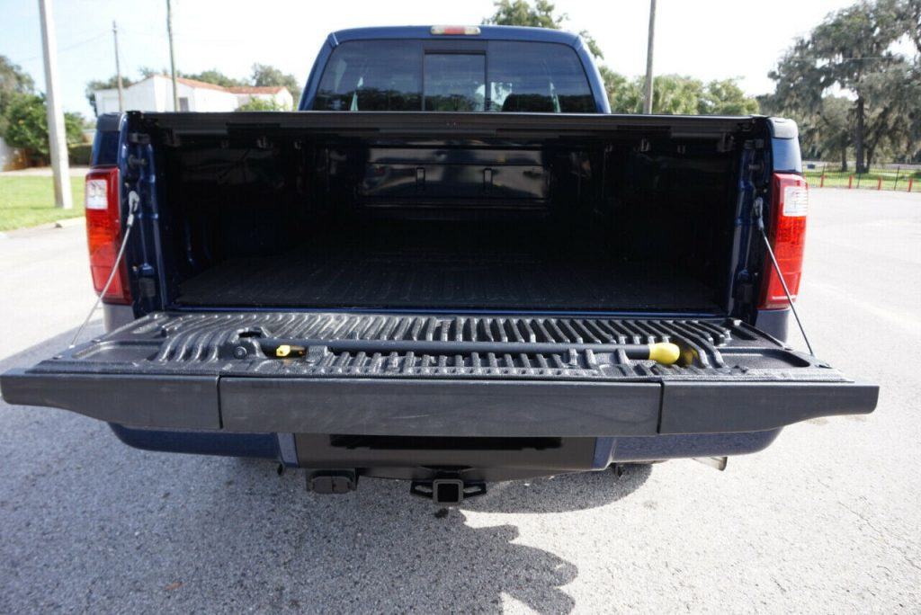 low miles 2009 Ford F 250 Harley Davidson Super DUTY crew cab