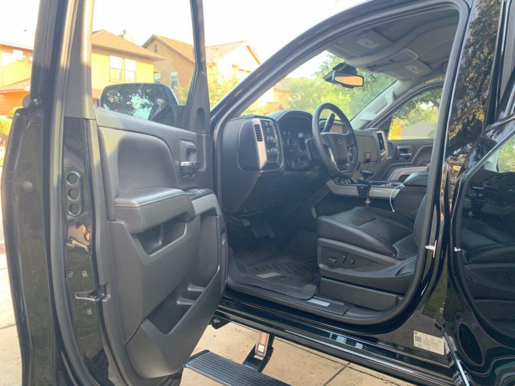 low miles 2018 Chevrolet Silverado 1500 LTZ crew cab