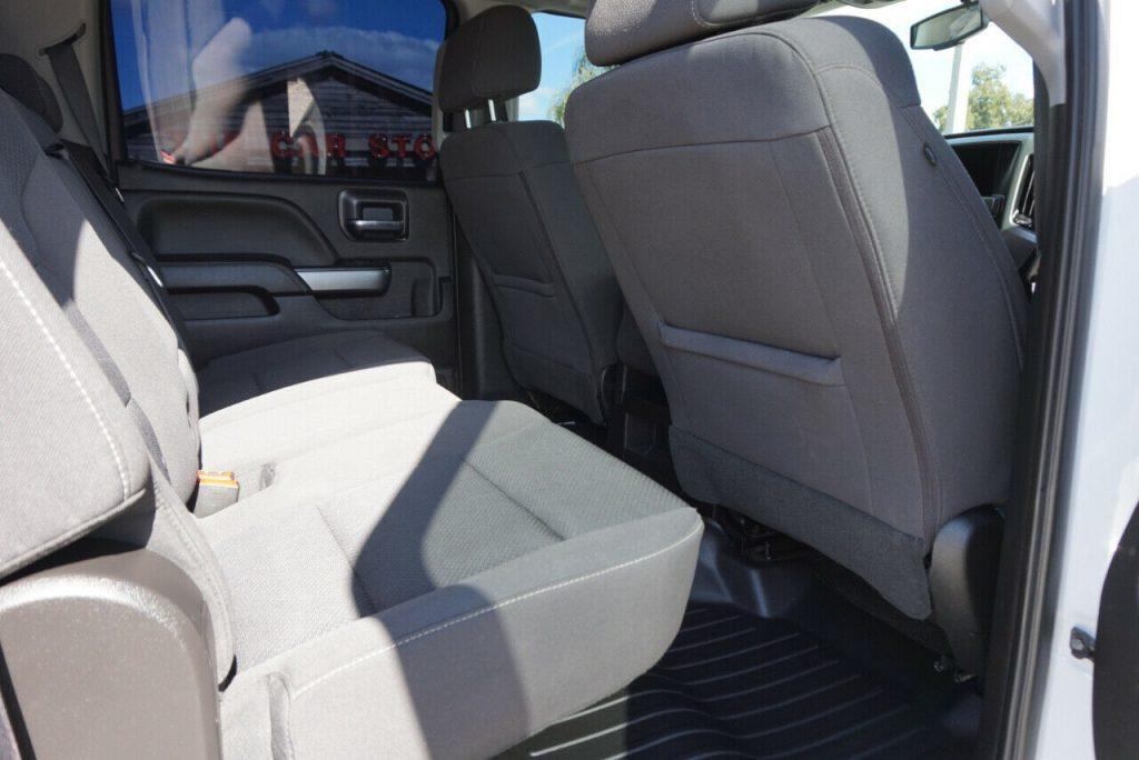 very clean 2018 Chevrolet Silverado 2500 LT crew cab