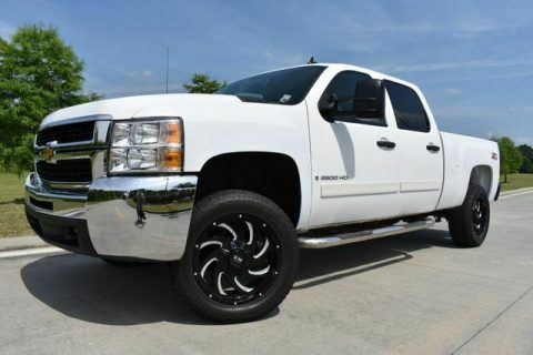 very nice 2008 Chevrolet Silverado 2500 LT w/1LT crew cab for sale