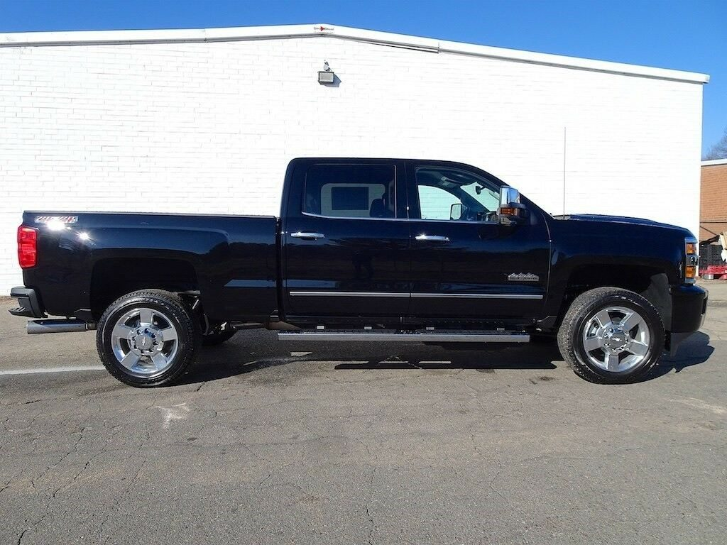 well equipped 2019 Chevrolet Silverado 2500 High Country crew cab