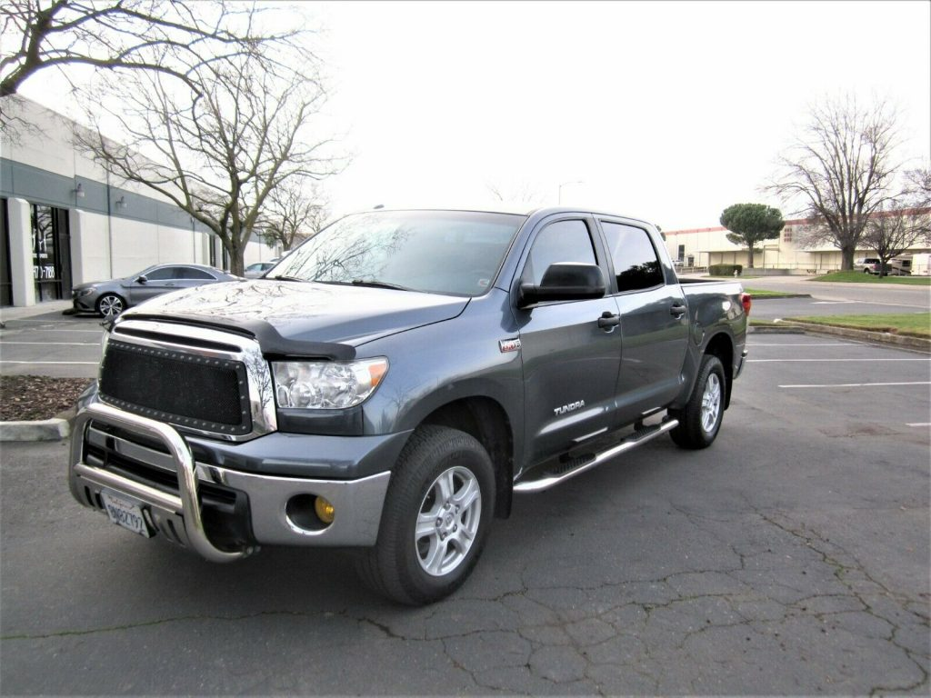 well equipped 2010 Toyota Tundra Grade crew cab