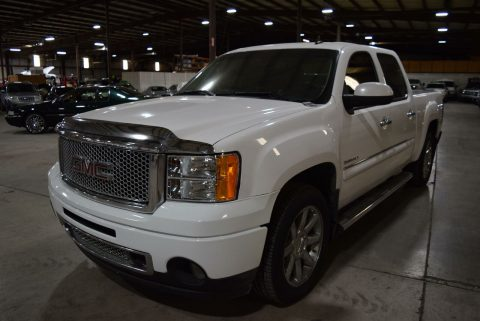 fully loaded 2011 GMC Sierra 1500 Denali crew cab for sale