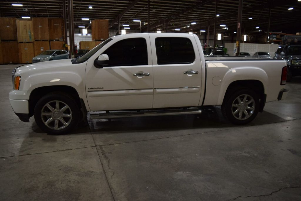 fully loaded 2011 GMC Sierra 1500 Denali crew cab
